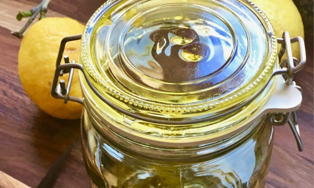 Aromatisches Zitronenöl einfach selbst gemacht!